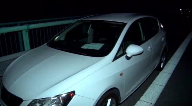 Bizarr haláleset: a kocsi szélvédőjénüzenték meg, hogy a holttest a híd alatt van