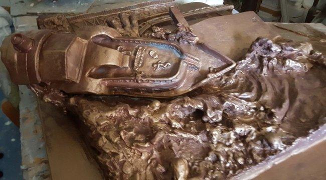 Megrendítő alkotás:a Hableánynak állít emléket a szobrászművész