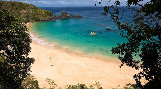Paradicsomi szigetre várják a pozitív koronavírus-tesztet felmutatókat