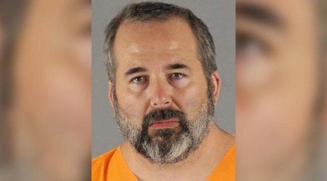 Kevesellte a szexet, emiatt lelőtte a nejét, majd elkezdte kiirtani a szomszédokat, köztük egy 12 éves kislányt - videó