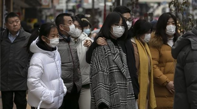 A fertőzöttek száma átlépte a 27,4 milliót, csaknem 900 ezer a halálos áldozat