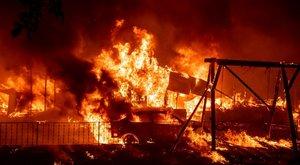 """""""Mint hogyha eljött volna a világvége"""" –lángokban áll az Egyesült Államok nyugati partvidéke – döbbenetes fotók"""