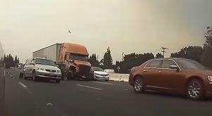 Brutális képsorok: 11 autót tört rommá, négy gyermeket pedig félárvává tett a kamionsofőr