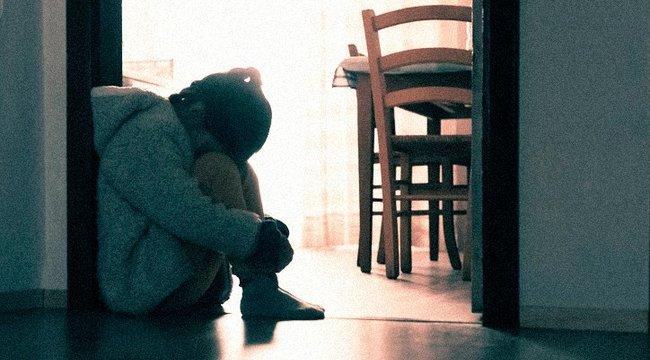 Babaváró bulit tartottak a tízéves kislánynak, akit a mostohaapja ejtett teherbe