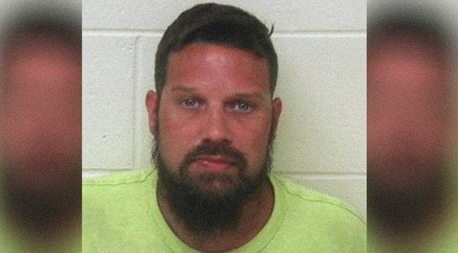 Elromlott telefon buktatta le a pedofilt– 30 nemi erőszakkal vádolják
