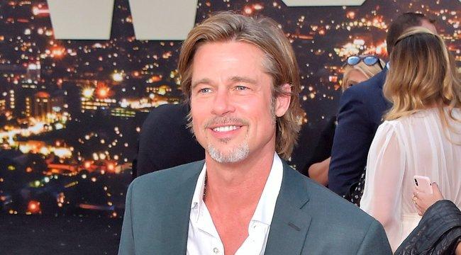 Nyitott kapcsolatban él Brad Pitt új barátnője – fotók