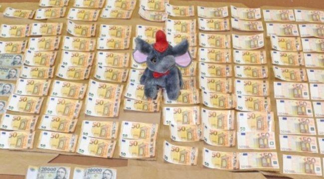 Plüss elefántban rejtették el a 2 és fél milliót a kazincbarcikai tolvajok
