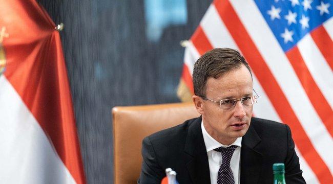 Szijjártó Péter: Magyarországot tisztelet övezi a Fehér Házban