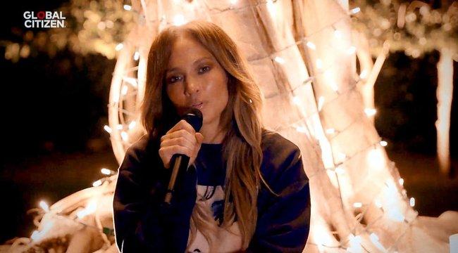 Nincs mese: az 51 éves Jennifer Lopez húszat simán letagadhatna – bikinis fotó a bizonyíték