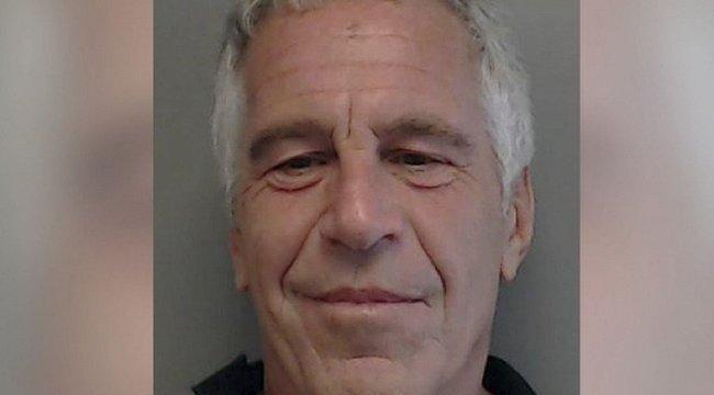 Rettegnek a híres és gazdag barátok: bebukhat Epstein egész bandája