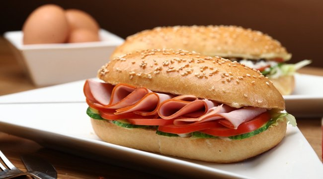 Szürreális baleset: szendvics miatt kellett levágni a nagypapa lábát