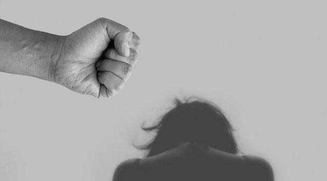 Féltékenységi roham: Vascsővel tört rá exére egy férfi Nagyszakácsiban, azzal ütötte-verte az ott lévő másik férfit