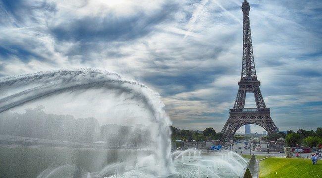 Breaking! Bombafenyegetés miatt kiürítették az Eiffel-tornyot