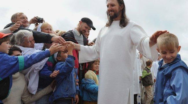 Lekapcsolták a szektavezért, aki Jézus reinkarnációjának hiszi magát