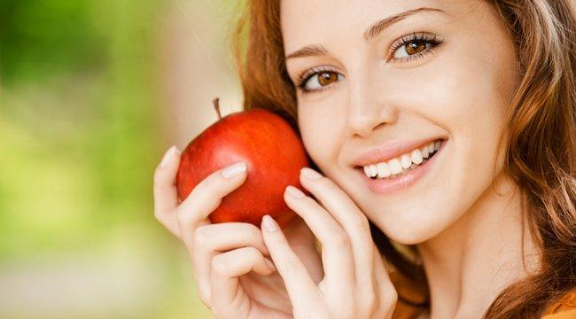 Bármelyik szénhidrátcsökkentett diétába belefér ez a gyümölcs - Megbolondítják a mézeskalács fűszerei az almás pitét