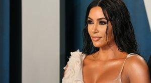 Kim Kardashian leleplezte lánytestvéreit: így néztek ki a plasztikai műtétek előtt