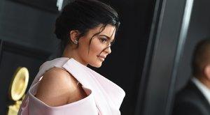 Kylie Jenner falatnyi bikiniben forrósítja fel az őszt - fotók