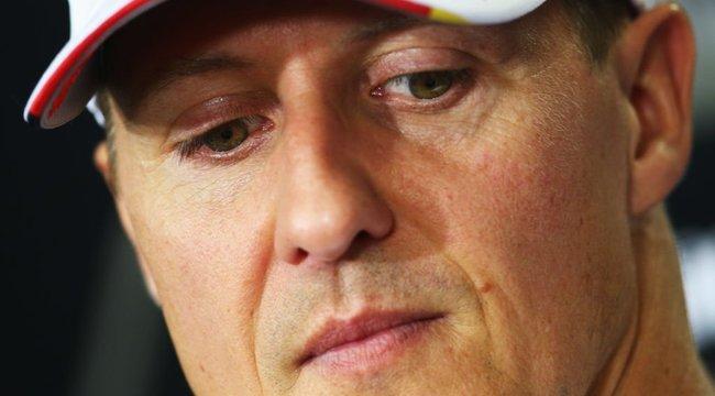 Micsoda hír: Michael Schumacher már képes kommunikálni a külvilággal