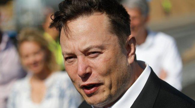 Elon Musk meghibbant: szerinte ő és a családja nem kapja el a koronavírust, ezért a vakcinából sem kér majd!