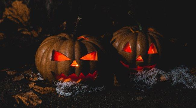 Morbid: öngyilkos fiukra emlékeztették a szülőket egy halloweeni dekorációval