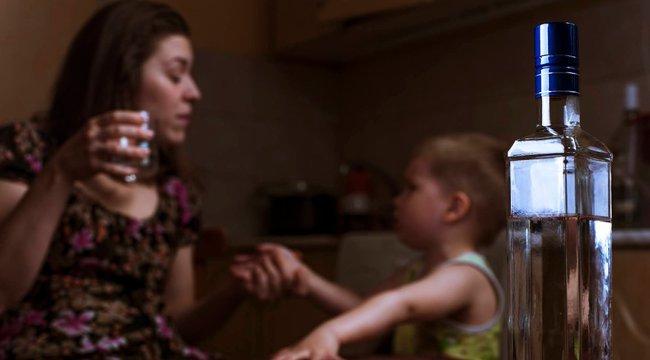 Örökbefogadás után derült, ki hogy iszákos anyjuk miatt gyógyíthatatlan betegek a gyerekek