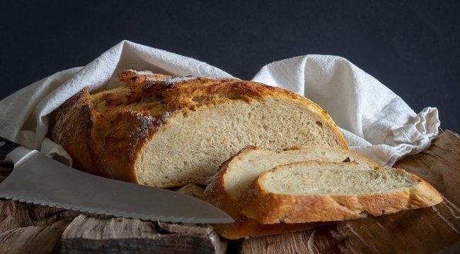 Végre nem fog többet morzsolódni a kenyér, ha így vágja fel