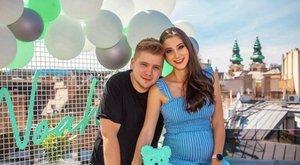 Orvosi javallatra kórházba vonul Palácsik Lilla – Tomi jobban fél a szüléstől, mint a felesége