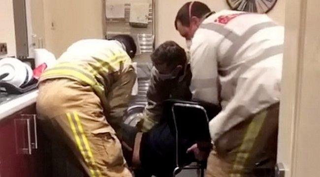 Bizarr: Szárítógépbe szorult az egyetemista lány