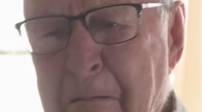 Ezen tuti sírni fog: Zokogott a 89 éves pizzafutár bácsi, amikor 3,5 milliós borravalót kapott - Videó