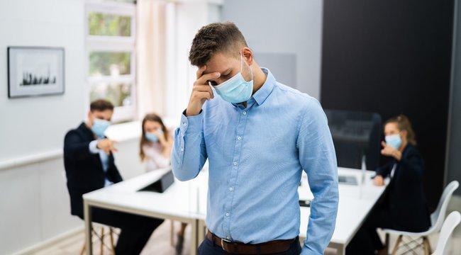 Szégyenbélyeg:Öngyilkosságba is kergethető a kiközösített koronavírusos - 18+