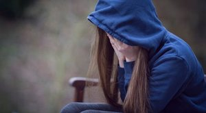 Hetente többször megerőszakolta és teherbe ejtette tinédzser lányát a hatgyerekes szabolcsi apa