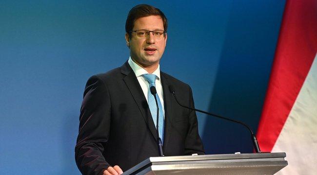 Gulyás Gergely bejelentette, húsz százalékos béremelést kapnak az ápolók