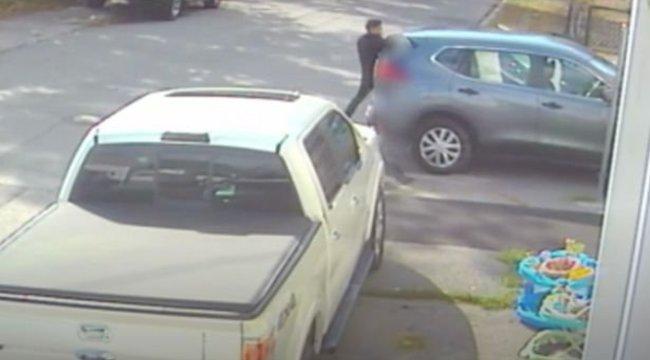 Horror: Térfigyelő kamera rögzítette a kilencéves kislány elrablását – videó