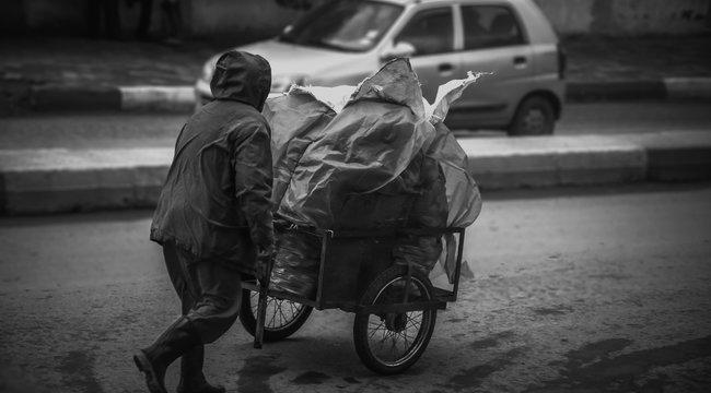 Egy pécsi hajléktalan betört a koronavírus-központba - szörnyű dolgot tett