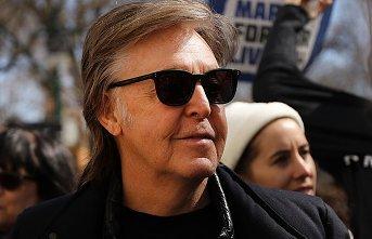 Nem ismerte fel John Lennont Paul McCartney, pedig többször is együtt utaztak