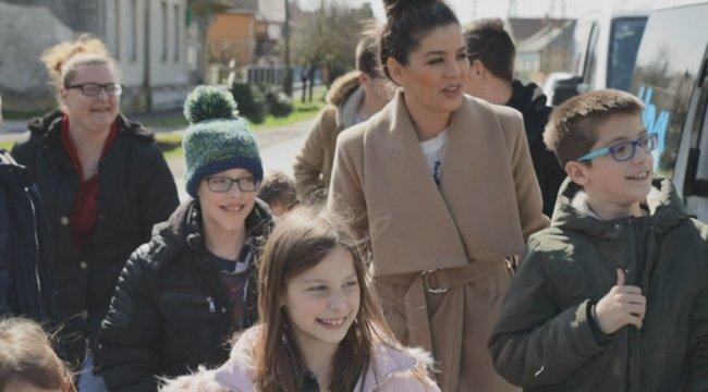 Csodát tettek Ördög Nóráék – új otthont kapott a Horváth-család