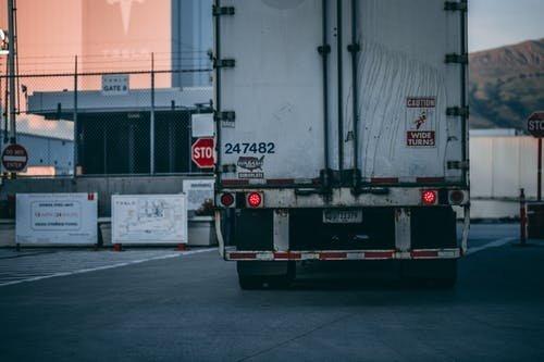 Veszprémi kamurablókkal próbálta eltussolni a csalást az olasz kamionos
