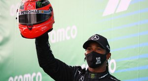 Forma–1Eifel Nagydíj – Lewis Hamilton beérte Michael Schumachert