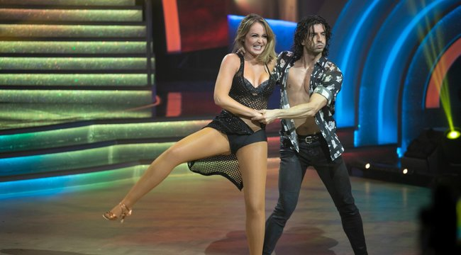 Át kell írniuk az összes koreográfiát: Gabriela Spanic komoly bordasérülést szenvedett az élő showban