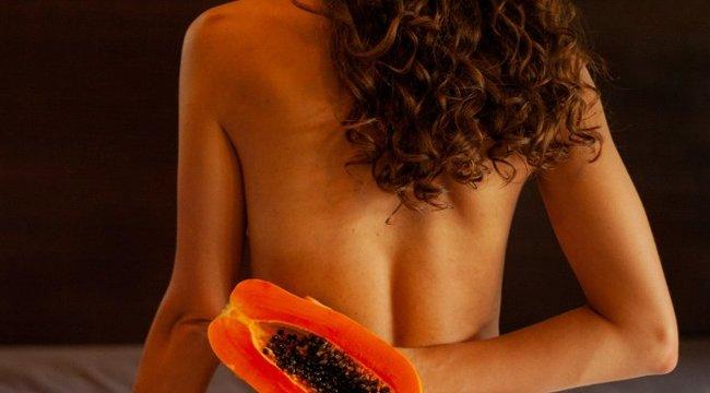 Semmi ruha! Paradicsomkarikák fedik a vegán modell mellbimbóit – szexi fotóival milliókat gyűjt az állatoknak - 18+