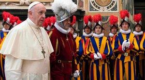 Mi lesz így Ferenc pápával? Négyen is megfertőződtek a Svájci Gárdában