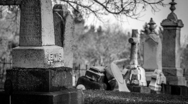 Meghalt egy ember a szekszárdi temetőben - elhunyt szerette sírjához ment, amikor szörnyű dolog történt