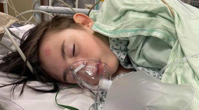 Megrázó fotók – Fehérítőt itattak az autista kiskamasszal a barátai, majd magára hagyták az utcán meghalni