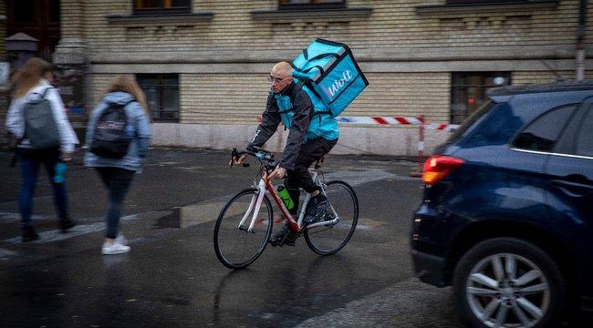 Nyolcszázezret is megkereshet egy biciklis futár – Így lett az egyik legmenőbb szakma