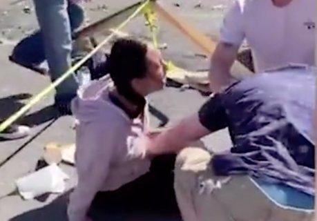 Különösen felkavaró képsorok: Halálra gázolt egy nőt egy parkolni próbáló férfi, a vérző sérültek sokkos állapotban zokogtak a földön – 18+ Videók
