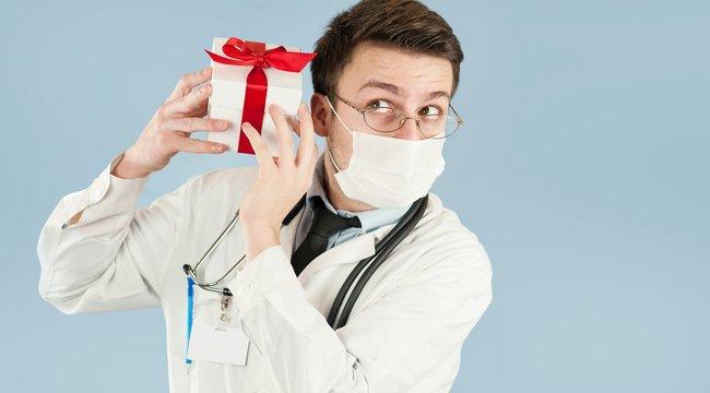 Ajándékkosárral hálálkodhat az orvosnak
