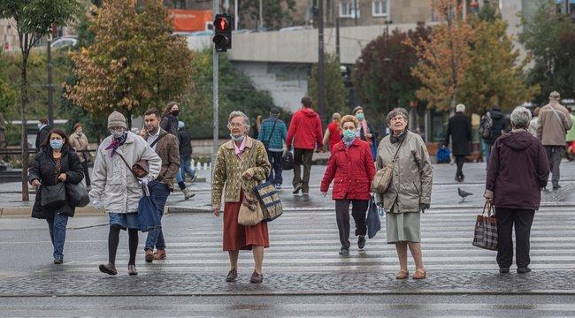 Fokozott veszélyben az idős emberek: Nem hagyjuk, hogy legyőzzön minket a koronavírus!
