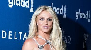 Emberek, gyülekező! Rátok vár a feladat, hogy eldöntsétek, ez most Britney Spears-e vagy sem