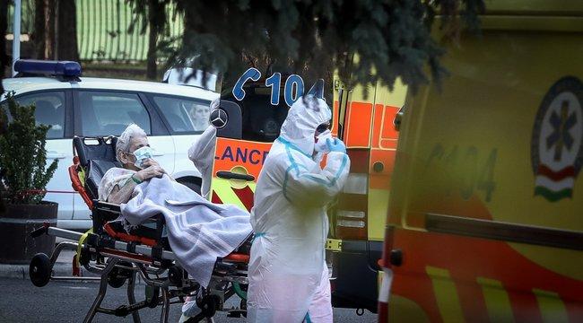Elhunyt 33 beteg, 1293 fővel emelkedett a fertőzöttek száma