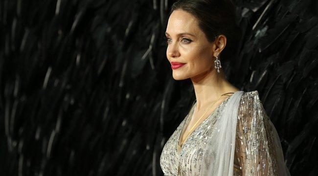 Kínos videó került elő Angelina Jolie-ról